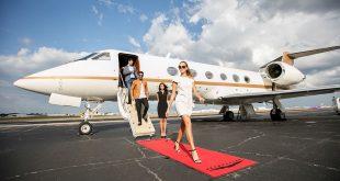 Първа класа или наем на частен самолет?