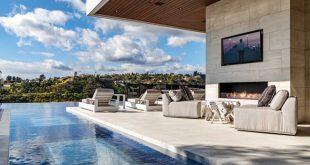 Home tours: Поглед в имение за $17 милиона в Бел еър