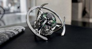 MB&F и L'Epée създадоха часовник за бюро с формата на космически кораб